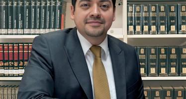 ALEJANDRO FERNÁNDEZ RAMÍREZ LLAMA A RESOLVER EL PROBLEMA DEL AMBULANTAJE