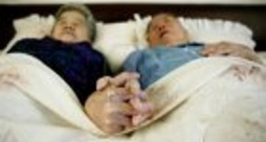 Ancianos se suicidan en París por falta de muerte asistida