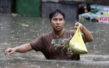 Tifón Haiyan deja más de mil muertos en Filipinas (VIDEO)