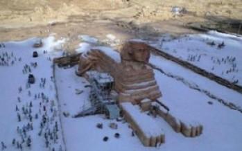 Egipto se cubre de nieve por primera vez en 112 años. Fuerte tormenta en Jerusalém.
