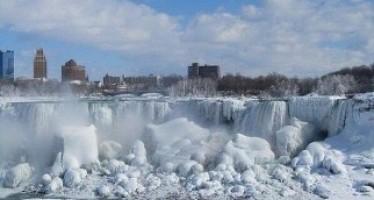 El día que la cataratas del Niágara de congelaron. Imágenes del pasado.