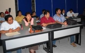 Taller de Inducción al modelo educativo a nuevos profesores, Ofrece la UNACAR.