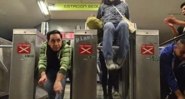 Integrantes del #PosMeSalto harán su propia encuesta sobre el aumento a la tarifa del metro