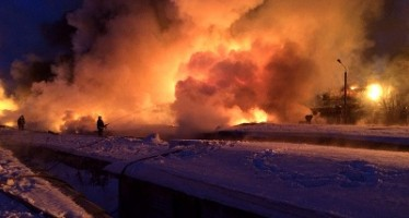 Descarrilamiento de un tren con gas condensado causa estragos en el centro de Rusia VIDEO