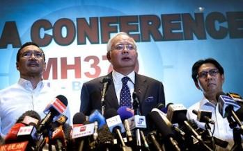 Avión desaparecido cayó en el sur del océano Índico: Malasia