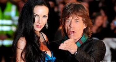 Confirman suicidio de novia de Mick Jagger
