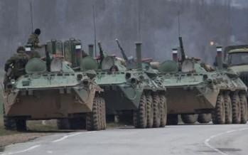 Ejército ruso toma el control de Crimea, pese a las advertencias de Estados unidos y Kiev.