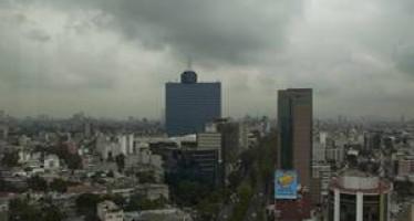 Prevén día nublado con lluvias en el Valle de México