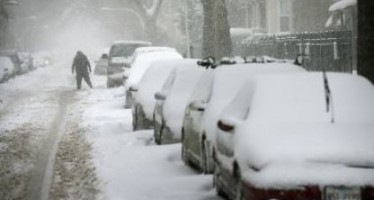Escuelas y oficinas cierran por nueva tormenta invernal en EUA