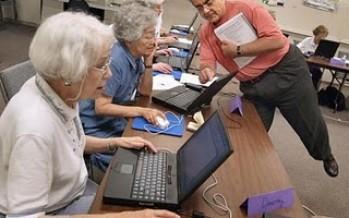 Uno de cada cinco adultos mayores es adicto a los juegos de Facebook