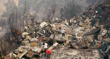 Amenaza el fuego con consumir otras 400 casas en Valparaíso
