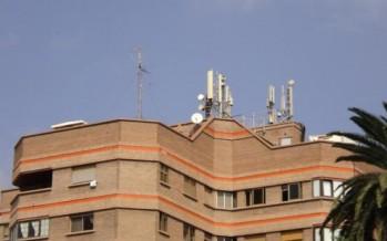 Se aprueba en España ley que permitirá a Las Telefónicas expropiar azoteas para colocar antenas de telefonía móvil