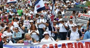 Ordena Costa Rica pago a profesores en huelga