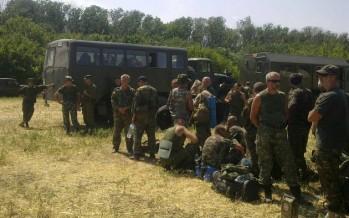 438 militares ucranianos piden asilo a Rusia