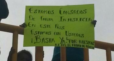 10 mil personas piden justicia en Guerrero por los estudiantes de Ayotzinapa
