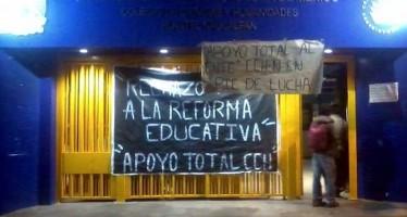 Cierran estudiantes dos planteles del CCH en apoyo a movimiento del IPN