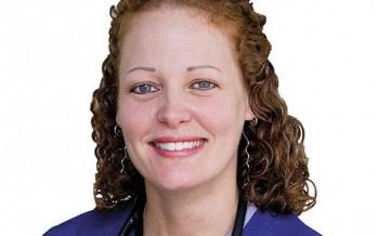Permiten a enfermera en cuarentena por ébola en EUA regresar a casa