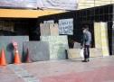 Permanecen barricadas en rectoría de CU, Narro trabaja en sede alterna
