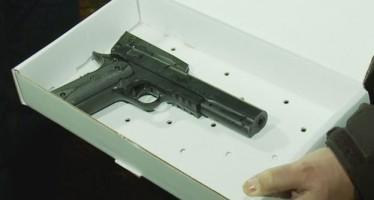 En Cleveland, mata  policía a un niño que portaba arma de juguete