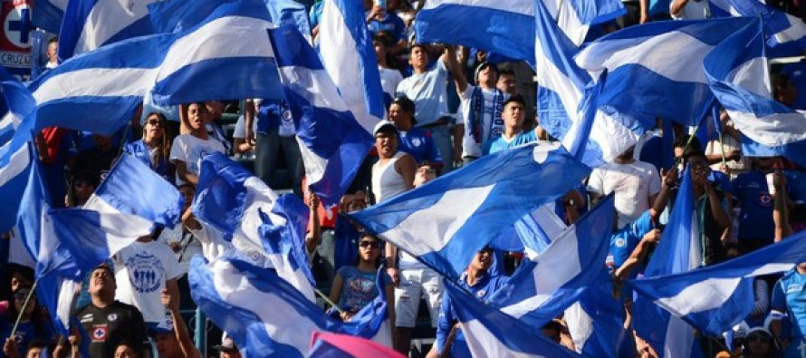 Roque Santa Cruz firma por dos años con el Cruz Azul
