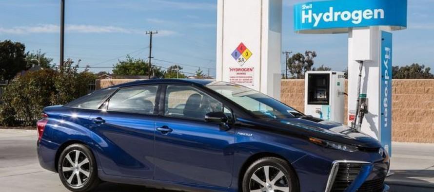 Sale a la venta el primer coche de hidrógeno en Japón