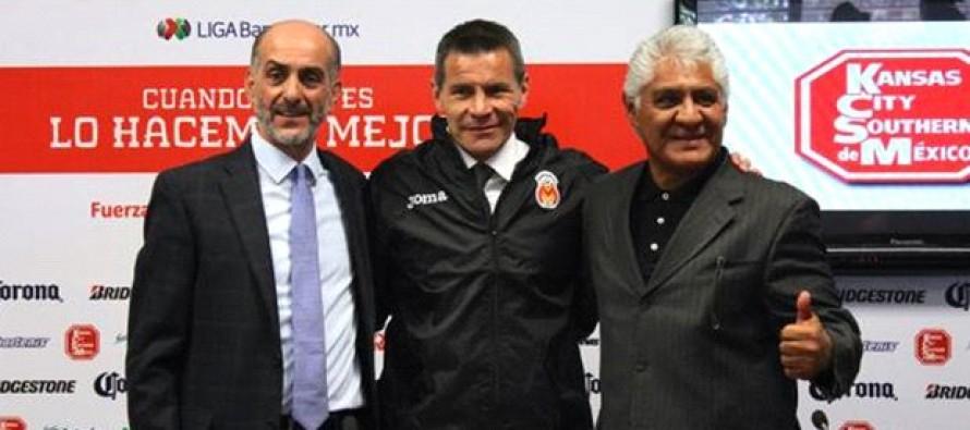 Presentan a Alfredo Tena como nuevo director técnico de Monarcas