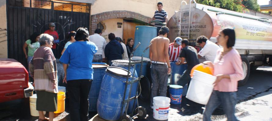 530 pipas repartirán agua a las colonias más afectadas por el corte en la Ciudad de México