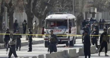Ataque suicida deja 20 muertos en Kabul