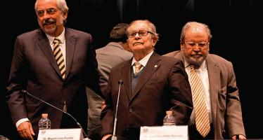 La UNAM rinde emotivo homenaje a Miguel León-Portilla por sus 90 años