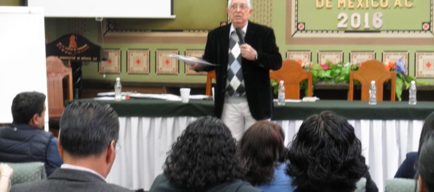 Se presentó clase magistral para maestría en el Club de Periodistas, a cargo del doctor Sixto Moya
