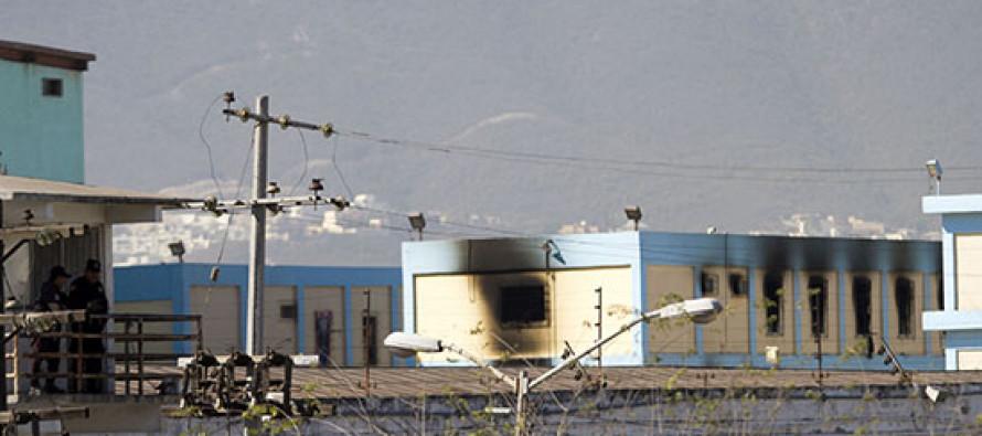 Catean instalaciones del penal de Topo Chico; 233 reos son trasladados a otros penales