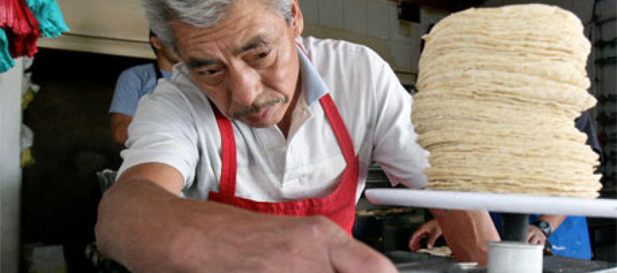 No hay elementos para justificar un alza a las tortillas: Secretaría de Economía