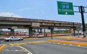 cruce urbano en Monterrey