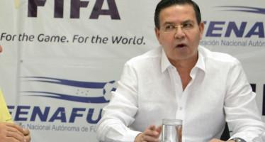 Ex presidente de Honduras acepta culpabilidad en sobornos de la FIFA