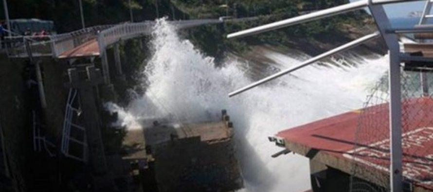 Se derrumba ciclovía en Rio de Janeiro a poco de su inauguración; hay 2 muertos