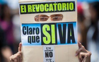 Triplican número de firmas requeridas para referéndum contra Maduro, en Venezuela