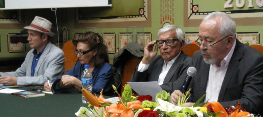 Se presentaron libros de Tere Gil en el Club de Periodistas de México