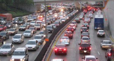 Nueva norma ambiental dejará sin circular 1.5 millones de vehículos