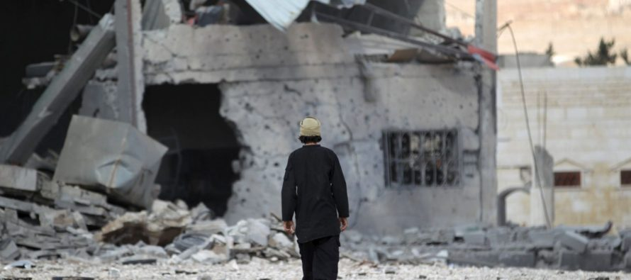 Al menos 28 muertos en bombardeo sobre un campamento en Idleb, Siria