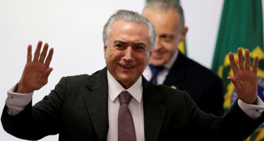 El gobierno de Temer incluye a ministros investigados por corrupción, en Brasil