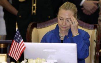 Emails en servidor de Hillary Clinton pusieron en peligro secretos gubernamentales: Washington Post