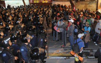 Retiran plantón de la CNTE en Bucareli y lo trasladan a la Ciudadela