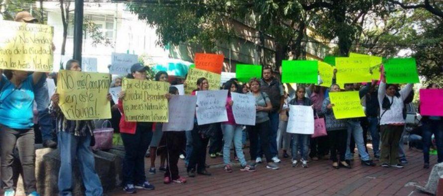 Protestan en Xochimilco por resolución de magistrado a favor de tienda Chedraui