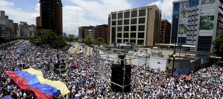 Piden invocar la Carta Democrática a Venezuela; dejaría de formar parte de la OEA