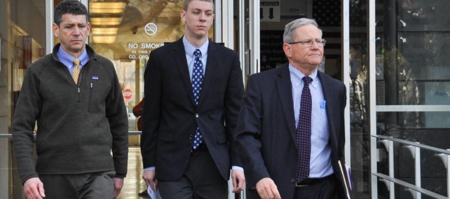 Indignación por el parcial fallo de un juez contra joven violador, en California