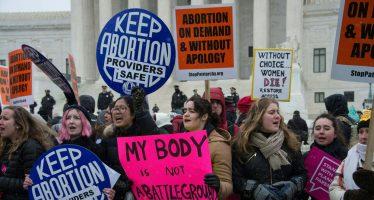 Polémica por fallo a favor del aborto en Texas; Trump prefiere callar