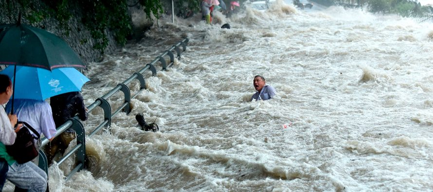 Mueren 98 personas en China a causa de tormentas extremas