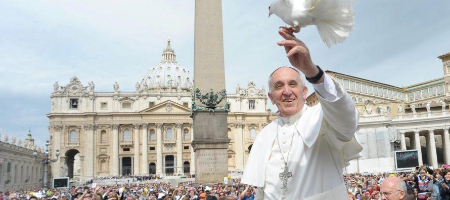 El Papa ayuda a dar refugio a nueve sirios en Roma
