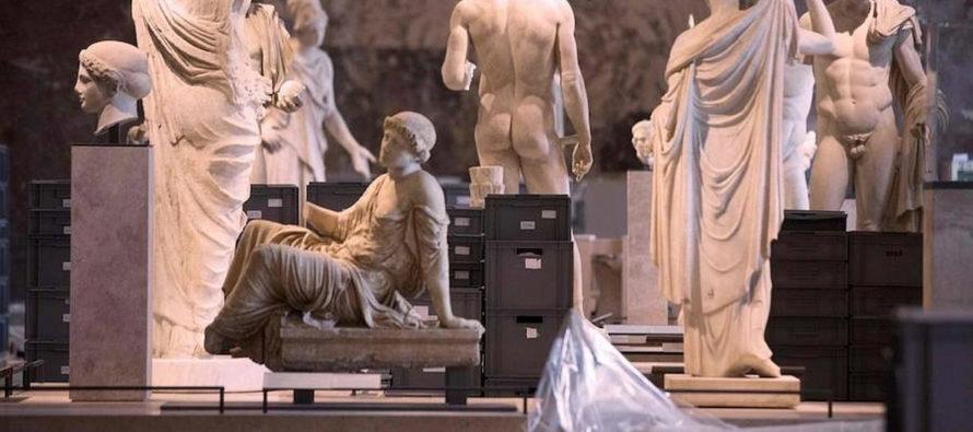 El Museo del Louvre cierra sus puertas ante inundaciones; protege obras artísticas