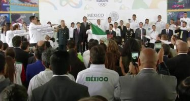 El presidente EPN abanderó a los deportistas mexicanos que competirán en Río 2016